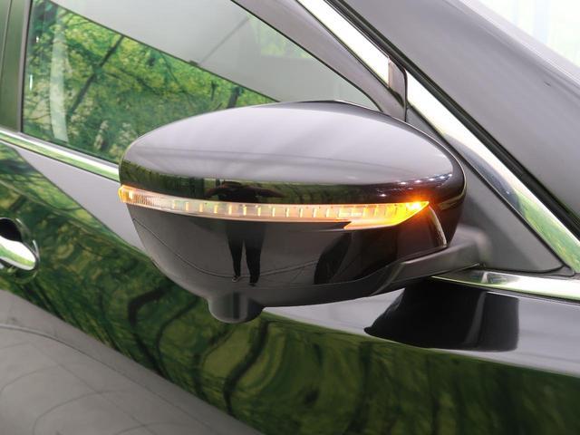 20X HVブラクXトリマXエマジェンシーブレーキP 4WD SDナビ フルセグ アラウンドビューモニター LEDヘッド 純正17インチAW クルコン ルーフレール シートヒーター スマートキー 電動リアゲート 禁煙車(24枚目)