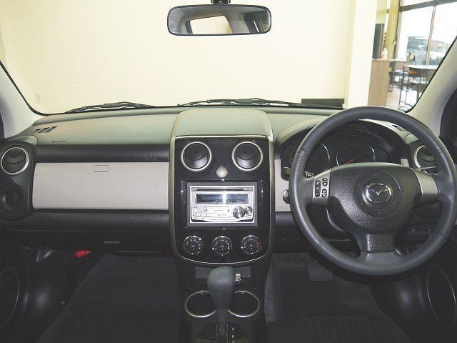 C 4WD・禁煙車・スマートキー・タイミングチェーン式・障害物センサー・社外アルミホイール・ドアバイザー・フルオートエアコン・盗難防止装置(9枚目)