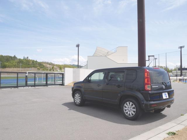 HDDナビエディション スマートルームミラー・ドライブレコーダー・オートライト・HIDヘッドライト・ビルトインETC・ガイド付きバックカメラ・VTR入力・ミュージックサーバー・横滑り防止機能・純正フロアーマット・ドアバイザー(6枚目)