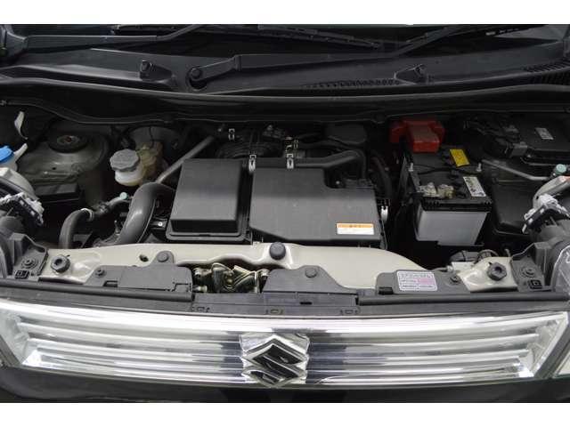 オイル・タイヤ交換などの日常整備などはもちろん、車検、鈑金塗装、事故や故障の修理対応など、様々な場面にてお客様をサポート致します。