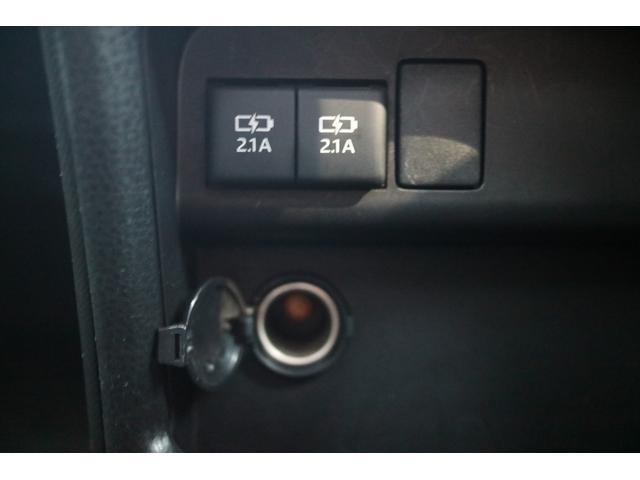 X 4WD オリジナルオールペイント ホワイトレター新品タイヤ ナビ・TV・バックカメラ 8人乗り(27枚目)