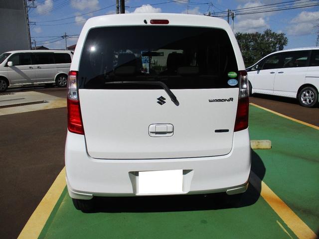 FX 4WD ワンオーナー 純正CD アイドリングストップ車 オートエアコン 運転席シートヒーター ベンチシート キーレス 社外14インチアルミホイール 電動格納ドアミラー(7枚目)
