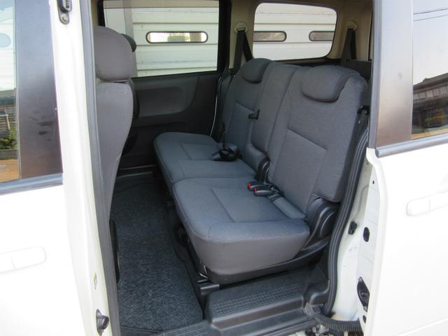 日産 ラフェスタ アンシャンテ助手席リフトアップシート福祉車両