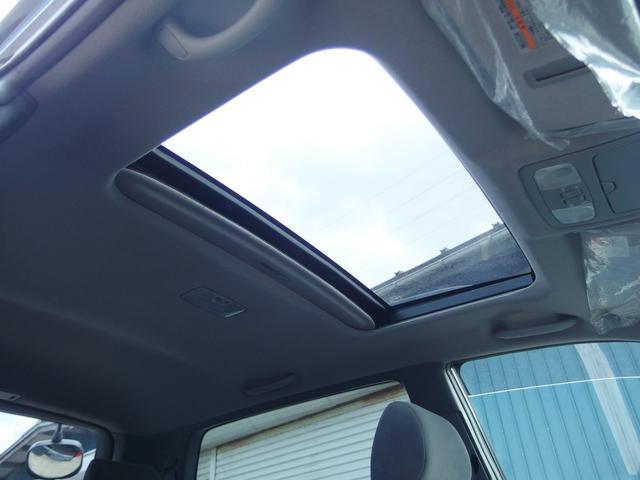 4WD サンルーフ オートライト ルーフレール キーレス(18枚目)