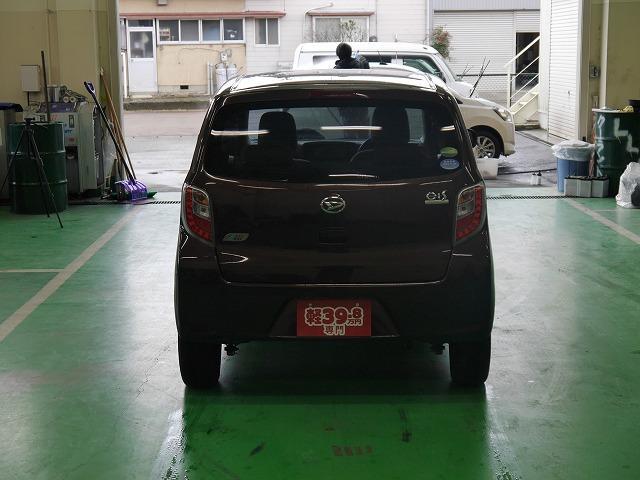 ■店頭のお車には、車検(保安基準品)OKのものでありましたらカスタマイズオプションも可能です。カスタマイズでおしゃれにドレスアップはいかがでしょうか?アルミのインチアップ等もご相談下さい。
