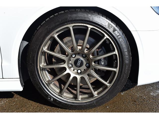 ベースグレード Schmieden18インチAW SACHS車高調 GARAGE VARYリアディフューザー 034motorsportスタビリンク 純正ナビ・TV BANG&OLUFSENサウンドシステム(13枚目)