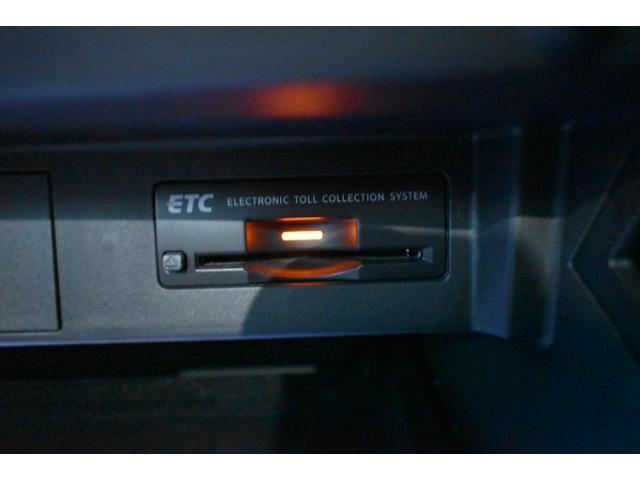 ベースグレード サンルーフ  MAVERICK20インチAW 純正フルエアロパッケージ  本革パワーシート エアシート 純正ナビ・TV レーダークルコン Yupiteruレーダー探知機 Logitecドラレコ ETC(35枚目)