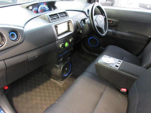 トヨタ bB ZQバージョン ワンオーナー オーディオ連動イルミネーション