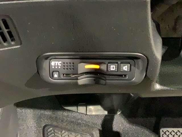 ハイブリッドZ・ホンダセンシング 8インチMナビ Rカメラ ETC スマートキー クルーズコントロール 地デジ アイドリングストップ シートヒーター パワーシート ナビTV ETC メモリーナビ アルミ 盗難防止システム キーレス(17枚目)