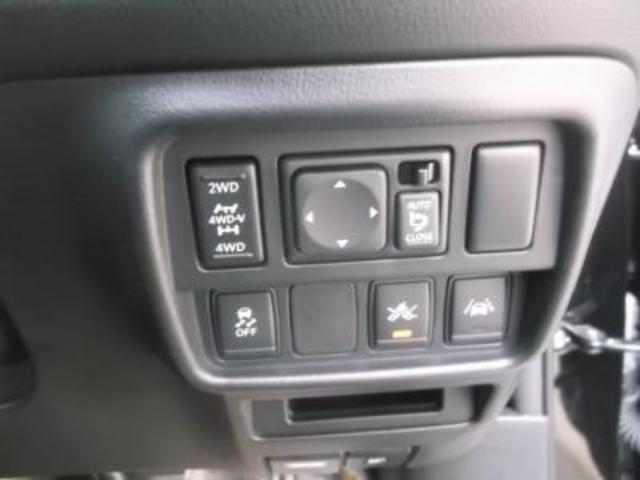 日産 ジューク 16GT FOUR 4WDターボ エマージェンシーブレーキ