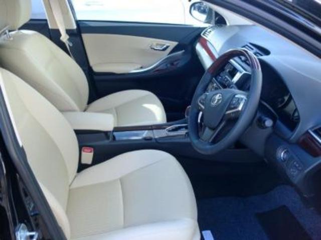 トヨタ プレミオ 1.5F Lパッケージ アイドリングストップ CVT