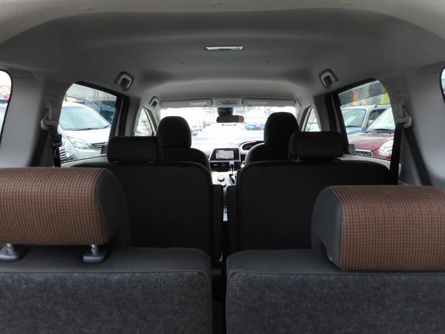 G 純正SDナビ フルセグTV バックモニター トヨタセーフティセンス キーフリープッシュスタート 両側パワースライドドア ステアリングオーディオスイッチ 社外15インチアルミホイール(12枚目)