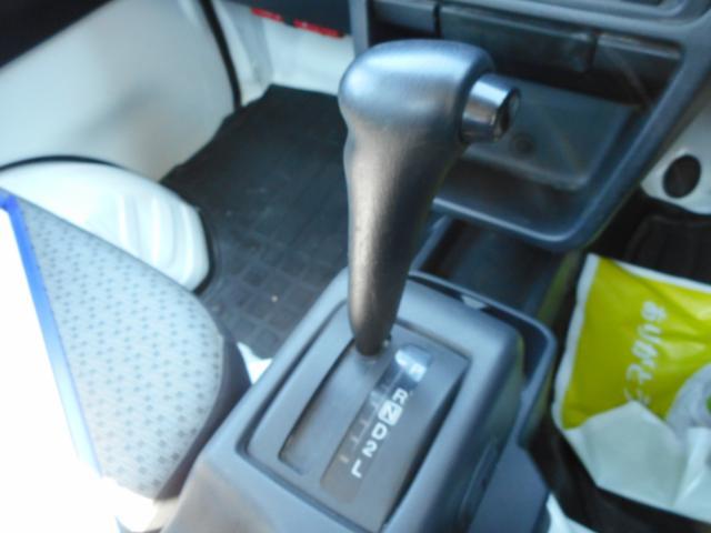 M パートタイム4WD エアコン パワステ 運転席エアバック オートマ AM/FMラジオ(11枚目)