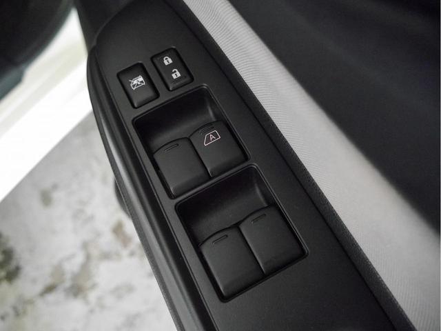 X DIG-S 衝突被害軽減ブレーキ コーナーセンサー 車線逸脱警報 アイドリングストップ スマートキー チルトステアリン(29枚目)