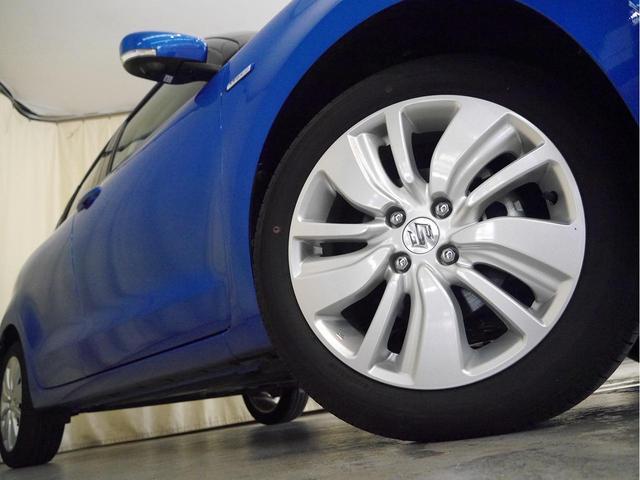ハイブリッドML オーディオレス デュアルセンサーブレーキサポート クルコン パドルシフト 運転席シートヒーター LEDヘッドライト 純正アルミホイール(4枚目)