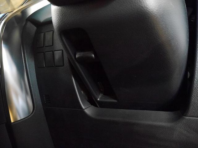 2.5Z 11インチ外ナビ/フルセグTV 12.8インチフリップダウンモニター 前後ドラレコ レザー調シートカバー LEDヘッドライト アロマユニット ETC バックカメラ スマートキー 両側PSドア(30枚目)