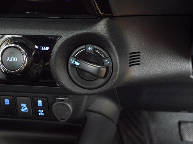 Z 4WD 登録済未使用車 衝突被害軽減ブレーキ ディーゼルターボ 純正17インチアルミホイール クルーズコントロール 障害物センサー LEDヘッドライト スマートキー(4枚目)