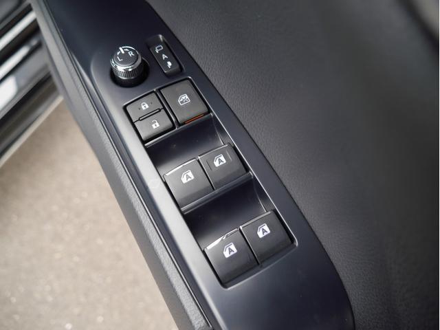 WSブラックエディション 登録済未使用車 TRDエアロパーツセット Tコネクトナビキット ディスプレイオーディオ 衝突被害軽減ブレーキ 純正18インチアルミホイール ETC2.0 スマートキー(37枚目)