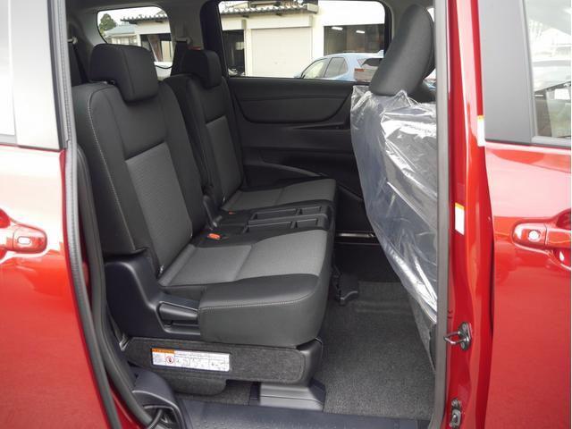 4WD 6人乗り 登録済未使用車 両側パワースライドドア 衝突被害軽減ブレーキ シートヒーター LEDヘッドライト ステアリングヒーター スマートキー(16枚目)