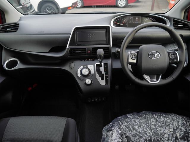 4WD 6人乗り 登録済未使用車 両側パワースライドドア 衝突被害軽減ブレーキ シートヒーター LEDヘッドライト ステアリングヒーター スマートキー(18枚目)