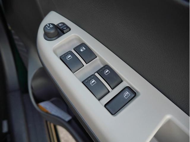 スタイル ブラックリミテッド SAIII 4WD CDオーディオ 衝突被害軽減ブレーキ 運転席シートヒーター LEDヘッドライト オートマチックハイビーム 障害物センサー アイドリングストップ スマートキー(27枚目)