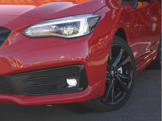 STIスポーツ 4WD 登録済未使用車 衝突被害軽減ブレーキ LEDヘッドライト アダプティブクルーズコントロール 純正18インチアルミホイール パワーシート スマートキー(3枚目)