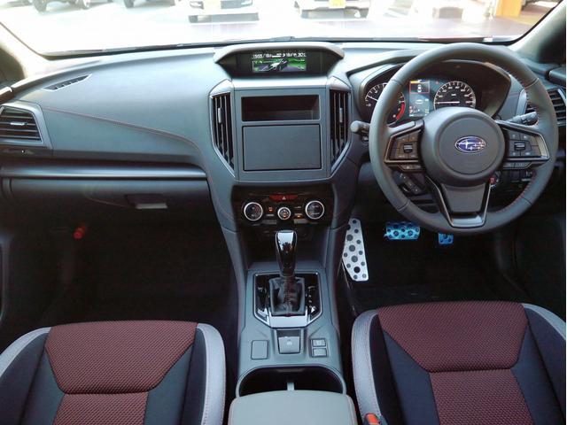 STIスポーツ 4WD 登録済未使用車 衝突被害軽減ブレーキ LEDヘッドライト アダプティブクルーズコントロール 純正18インチアルミホイール パワーシート スマートキー(14枚目)