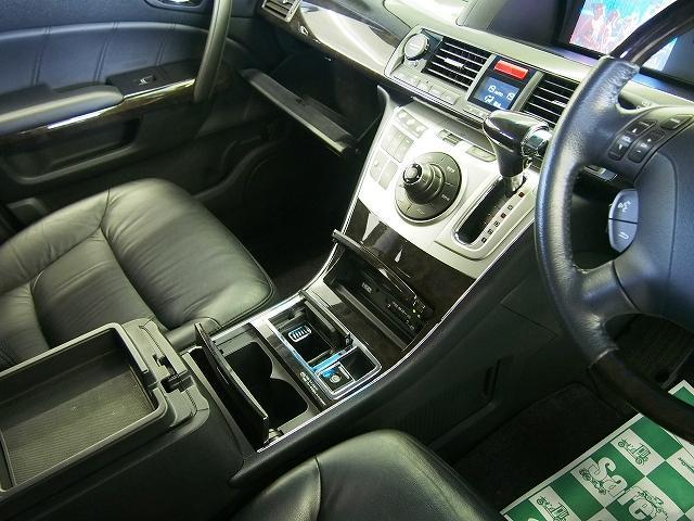 ホンダ エリシオンプレステージ SG 4WD ツインモニター 黒革 エンスタ 両側パワスラ