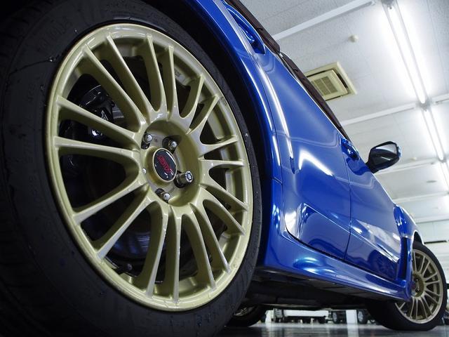 ☆純正オプションのBBS製18インチゴールドAWはブルーの車体カラーとの組み合わせでインパクト大です!☆
