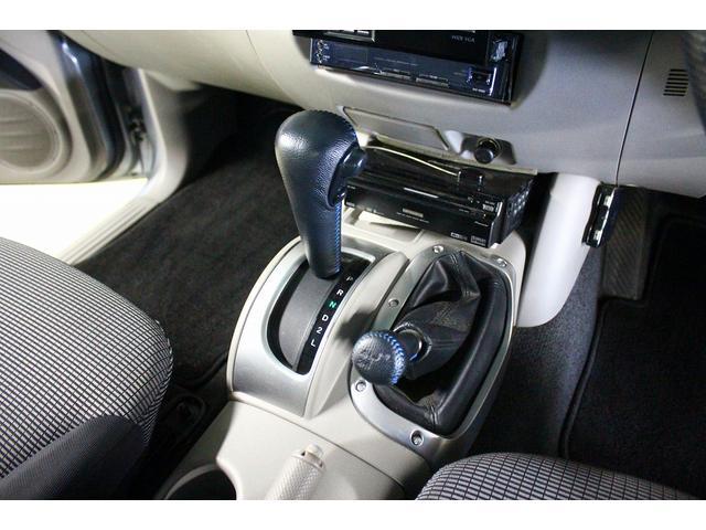 三菱 トライトン ベースグレード HDDナビ ハードトノカバー ベッドライナー