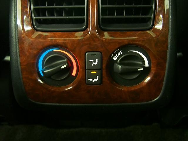 エクスクルーシブ 4WD 黒革 サンルーフ クルコン ETC(18枚目)