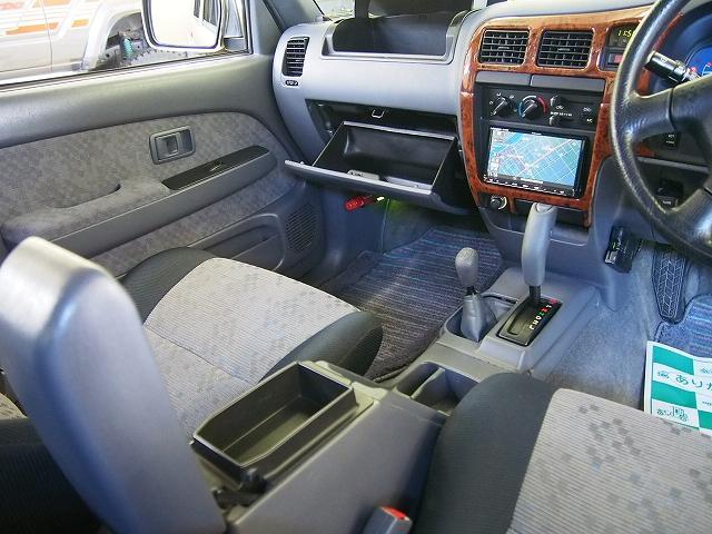 ダブルキャブ 4WD 社外メモリーナビ サンルーフ Bカメラ(19枚目)