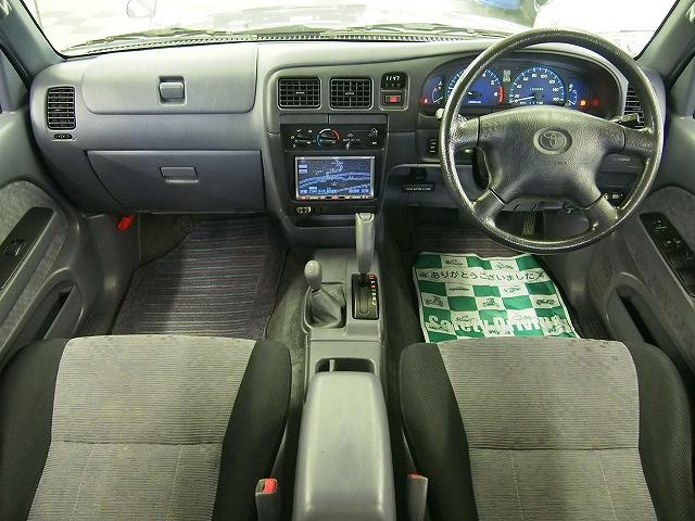 ダブルキャブ 4WD HDDナビ ETC 荷台チッピング塗装(9枚目)