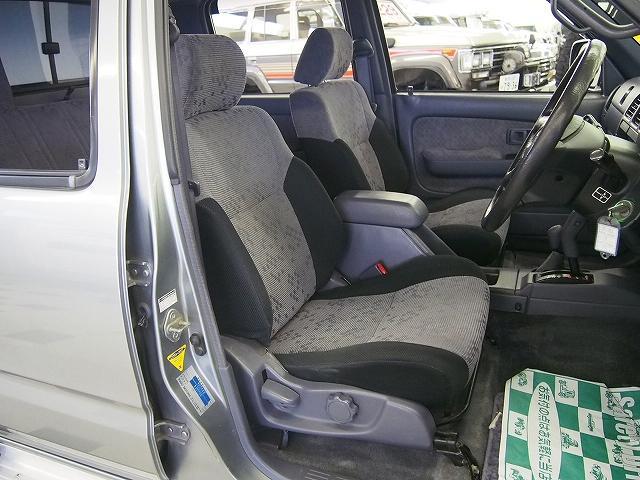 ダブルキャブ 4WD HDDナビ ETC 荷台チッピング塗装(10枚目)