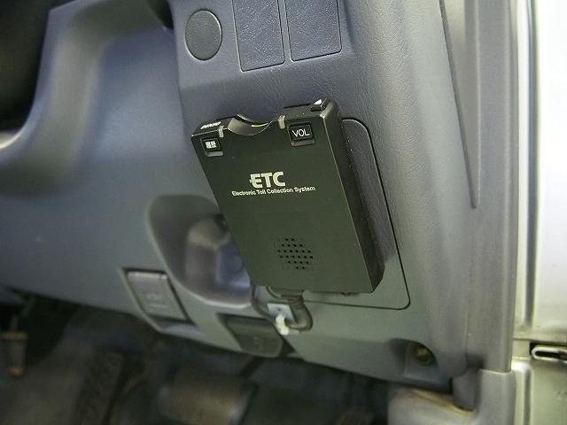 ダブルキャブ 4WD HDDナビ ETC 荷台チッピング塗装(16枚目)