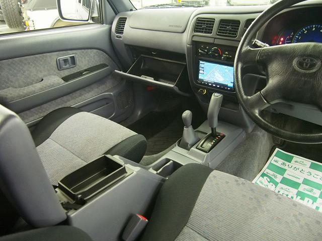 ダブルキャブ ワイド 切替4WD ハードトノカバー 禁煙車(8枚目)