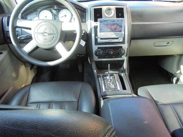 クライスラー クライスラー 300 黒革シート 20インチアルミ ローダウンサス ナビ ETC