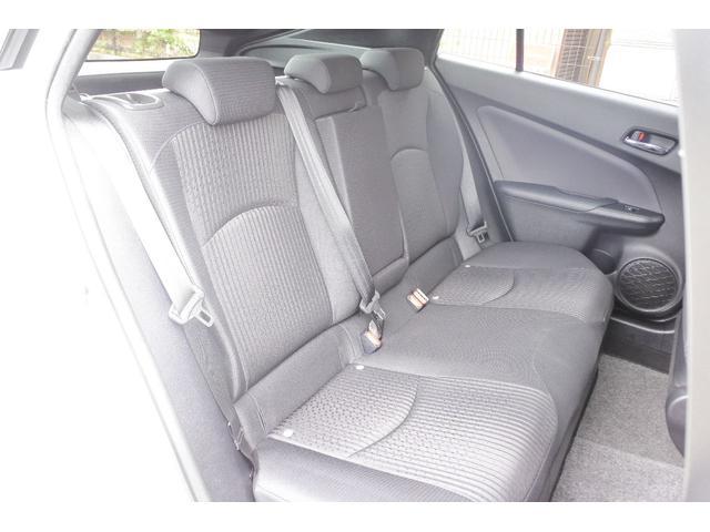 S 4WD 中古スタットレス付 ナビ Bluetoothオーディオ 地デジ ETC トヨタセーフティセンス レーダークルーズ 寒冷地 スマートキー LEDヘッドライト レーンキープ オートライト(12枚目)