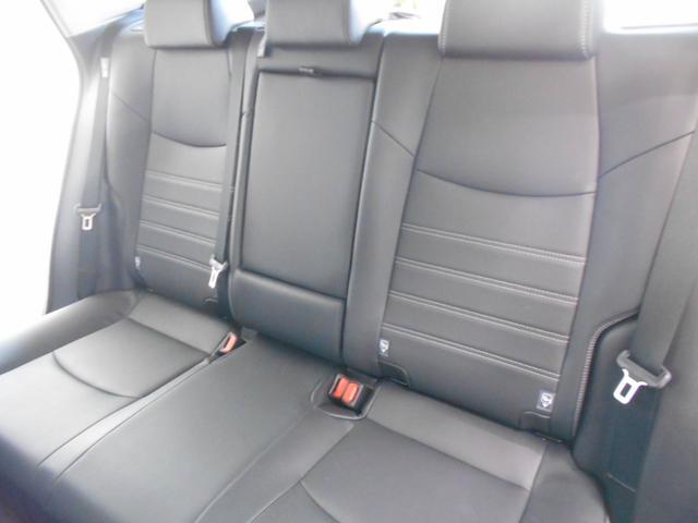 ハイブリッドG 4WD サンルーフ レザーシート 寒冷地仕様 パワーバックドア LEDヘッド フルセグ DVD再生 ブラインドモニター セーフティセンス ビルトインETC スマートキー2個 走行2千km台(10枚目)