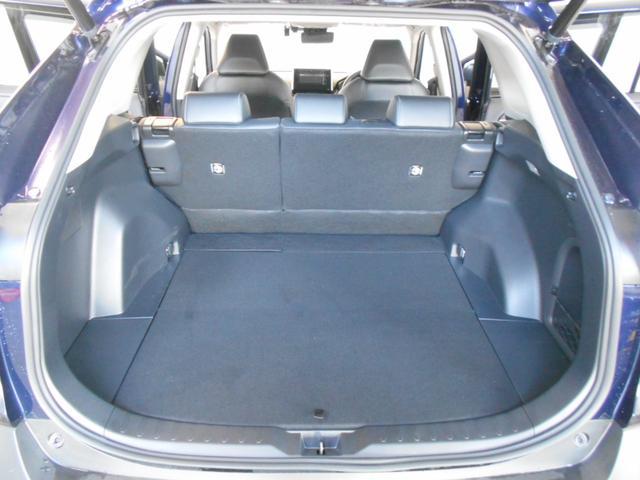 ハイブリッドG 4WD サンルーフ レザーシート 寒冷地仕様 パワーバックドア LEDヘッド フルセグ DVD再生 ブラインドモニター セーフティセンス ビルトインETC スマートキー2個 走行2千km台(11枚目)