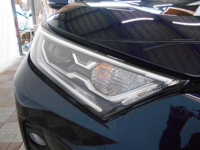 ハイブリッドG 4WD サンルーフ レザーシート 寒冷地仕様 パワーバックドア LEDヘッド フルセグ DVD再生 ブラインドモニター セーフティセンス ビルトインETC スマートキー2個 走行2千km台(27枚目)