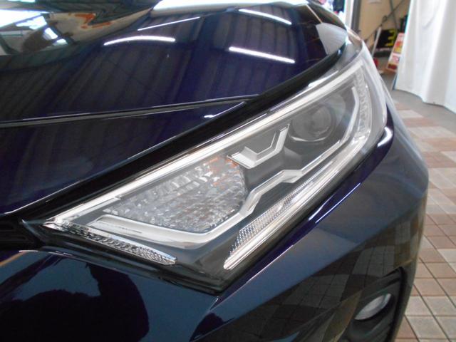 ハイブリッドG 4WD サンルーフ レザーシート 寒冷地仕様 パワーバックドア LEDヘッド フルセグ DVD再生 ブラインドモニター セーフティセンス ビルトインETC スマートキー2個 走行2千km台(29枚目)