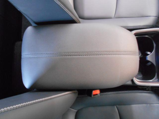 ハイブリッドG 4WD サンルーフ レザーシート 寒冷地仕様 パワーバックドア LEDヘッド フルセグ DVD再生 ブラインドモニター セーフティセンス ビルトインETC スマートキー2個 走行2千km台(50枚目)