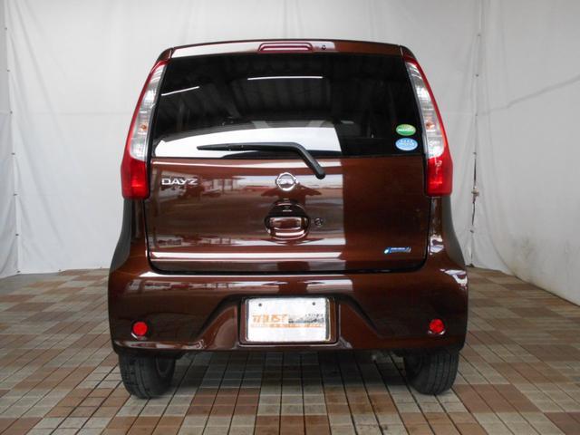 X Vセレクション+セーフティII 4WD ワンオーナー アラウンドビューモニター エマージェンシーブレーキ インテリキー プッシュスタート 社外アルミ 純正CD AUX端子 アームレスト シートヒーター ベンチシート 走行1万km台(6枚目)