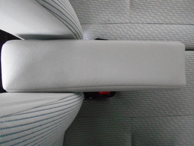 X Vセレクション+セーフティII 4WD ワンオーナー アラウンドビューモニター エマージェンシーブレーキ インテリキー プッシュスタート 社外アルミ 純正CD AUX端子 アームレスト シートヒーター ベンチシート 走行1万km台(49枚目)