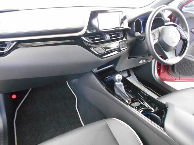 G-T モード ネロ 4WD ターボ トヨタセーフティセンス BSM RCTA 純正ナビ フルセグ バックカメラ ハーフレザーシート シートヒーター LEDヘッドライト スマートキー2個 特別仕様車 走行11200キロ(8枚目)