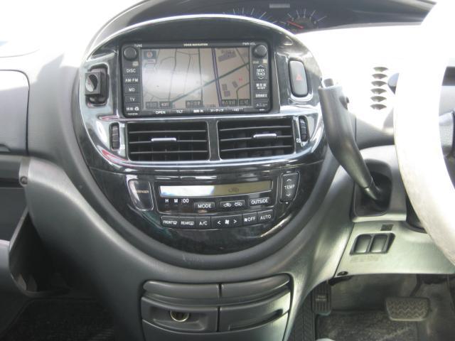 アエラス 4WD  7人乗り ETC ナビ HIDライト(11枚目)