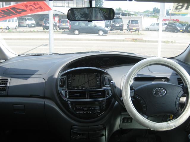アエラス 4WD  7人乗り ETC ナビ HIDライト(15枚目)