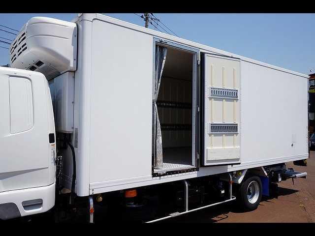 2.55t 標準ベッド付 低温冷凍車 格納PG(19枚目)