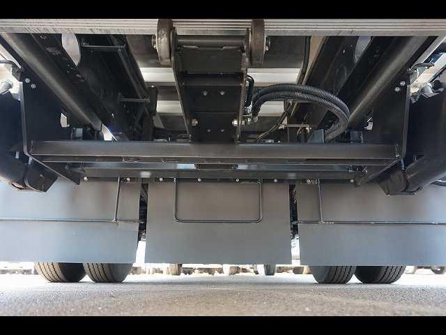 2.55t 標準ベッド付 低温冷凍車 格納PG(20枚目)